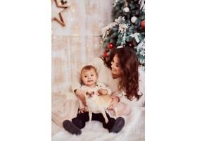 寒假装饰品暖色全家福可爱的妈妈和女_3712878