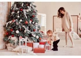 寒假装饰品暖色全家福可爱的妈妈和女_3712909