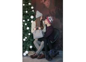 一对情侣在录音棚里过圣诞节_1618100