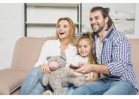 沙发上与泰迪熊的全家福_3443884