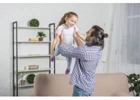 父亲和女儿一起玩耍_3443817