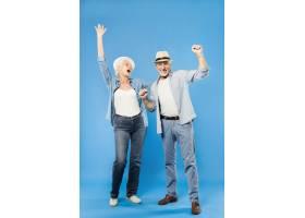 现代酷炫的老年夫妇_3515498