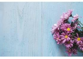 母亲节构图左边有鲜花和空间_1958380