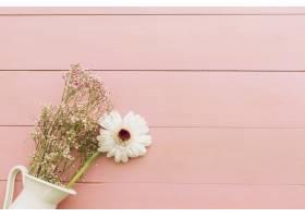带花的母亲节作文_2022735