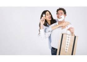 父女俩在剃须泡沫和礼物上玩得很开心_2241208
