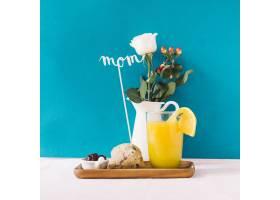 早餐和母亲节概念与植物_1964106