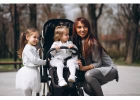 有两个女儿的母亲_2522525