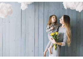 慈爱的母女欢度母亲节_1937449