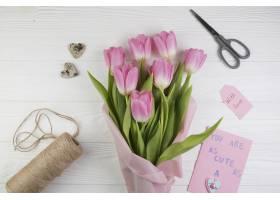 带花束和剪刀的母亲节构图_1949843