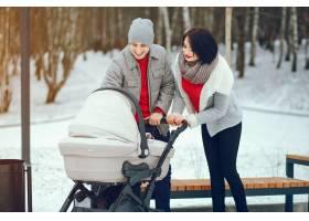 冬日家庭_3179116