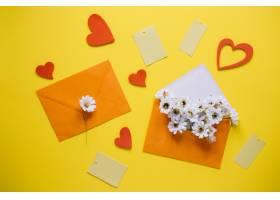 带橙色信封的母亲节作文_1957824