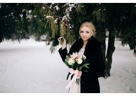 美丽花园里的情侣_1624798