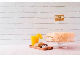 母亲节在飞机上提供蛋糕和早餐_1964097