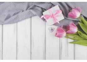 母亲节背景包括礼物和空间_1936351