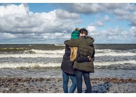 来自寒冷波罗的海的年轻夫妇_1537375