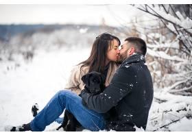 冬天和狗在一起_1612416