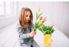 女儿看花的母亲节概念_1937462