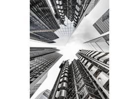 触摸天空的现代商业大厦风景_8753338