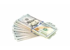 在白色背景的一百美元钞票_1012620