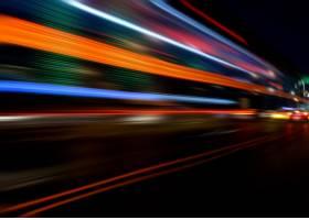 与城市夜晚的运动速度效果_1270326