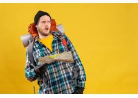 迷茫的年輕背包徒步旅行者正面圖有拿著旅行_14259646