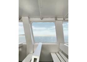海的看法從一個游艇窗口的與白色內部_14501031