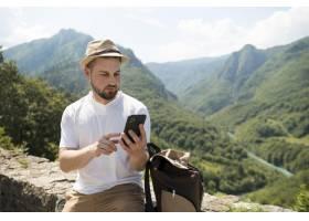 独自旅行的人在黑山_16392996