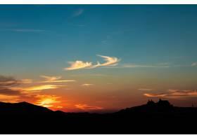 剪影射擊了Olvera西班牙都市風景在美好的_13962595