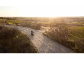 与摩托车运输概念_13951942