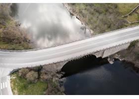 与桥梁的运输概念_13951897