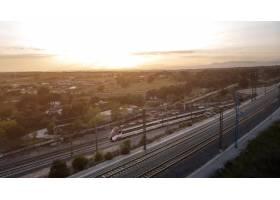與火車的鳥瞰圖運輸概念_13951920