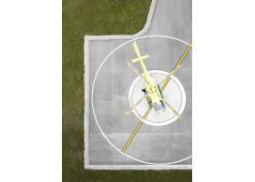 与直升机的运输概念在Helipad_13951929