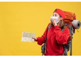 与背包和面具的前视图年轻女性旅客拿着旅行_14430582