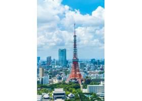 美好的建筑學大廈在東京市地平線_3717829