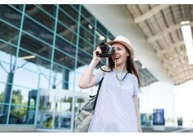 有背包的年輕旅客旅游婦女拍在減速火箭的葡_15785670