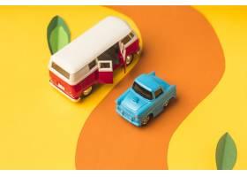 葡萄酒微型汽车和公共汽车在时髦颜色旅行_8057302