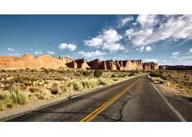 一条高速公路的美好的风景在峡谷风景的在拱_14196076