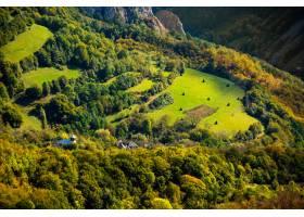 與apuseni山的美好的風景在羅馬尼亞_15915113
