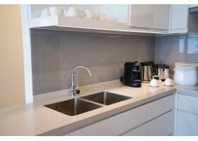 簡約的廚房角與電器_2448697