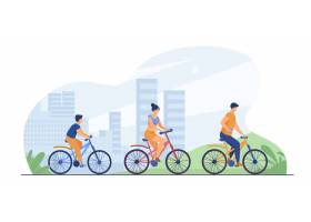 家庭骑自行车在城市公园_7732616