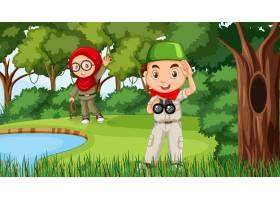 与探索在森林里的穆斯林孩子的自然场面_16262828