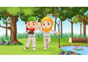 与探索在森林里的穆斯林孩子的自然场面_16265157