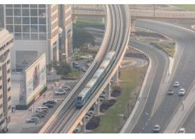 众多汽车顶视图在交通的在迪拜阿拉伯联合_10824388