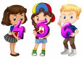 不同的三个孩子拿着数学数字_12337395
