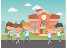与孩子的学校大厦在现场_4939264