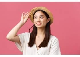 美容人情感和休闲和假期概念购物在商店_17105876