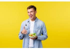 健康生活方式人和食物概念显示赞许的愉_17123286