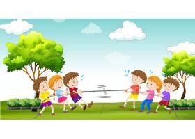 孩子们在公园里玩拔河_4923699