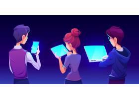人们使用智能手机app后视图_6993859