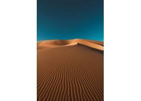 一个平安的沙漠的垂直的射击在在摩洛哥夺取_17247708